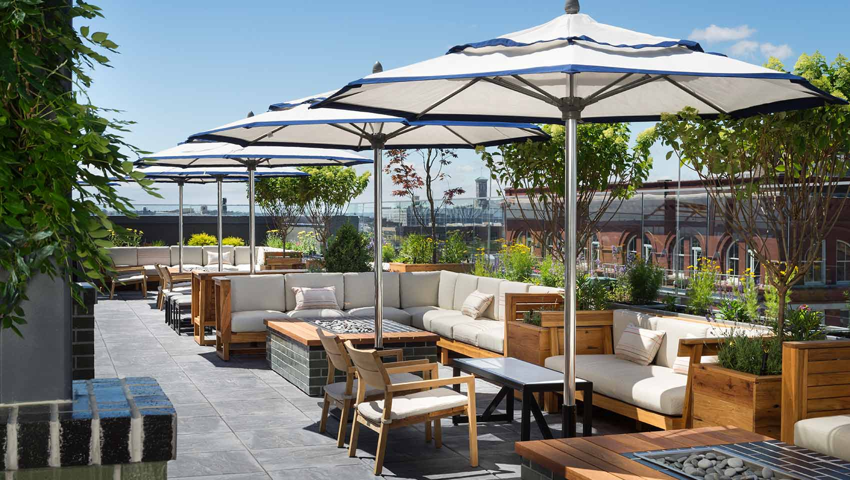 Kimpton The Journeyman outdoor seating